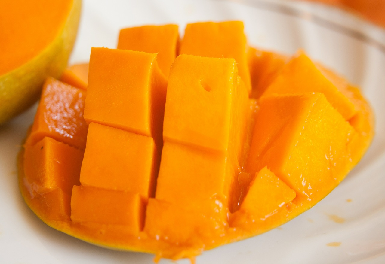How to Make Mango Puree